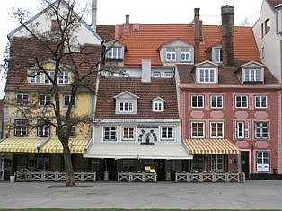 Kamienice przy Placu Liwskim