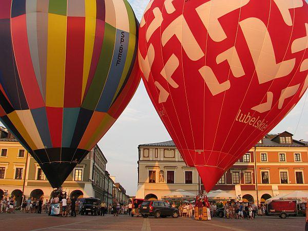 Start balonów z Rynku Wielkiego