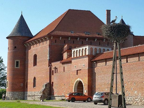 Odbudowany niedawno zamek