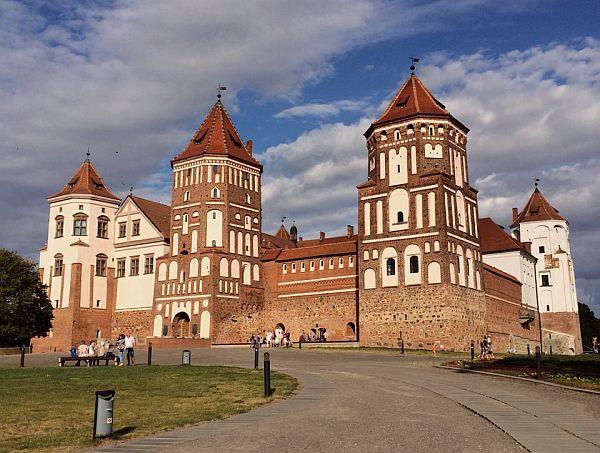 Białoruś. Zamek w Mirze