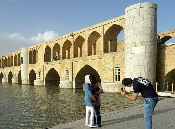 Jeden ze słynnych mostów w Isfahanie