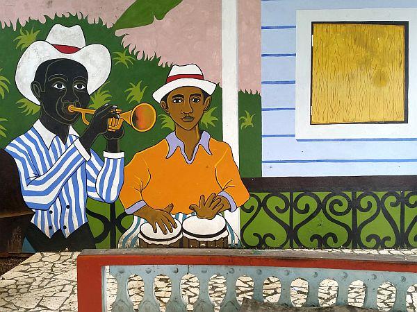 Kuba jak malowana. Graffiti na jednym z domów w Baracoa