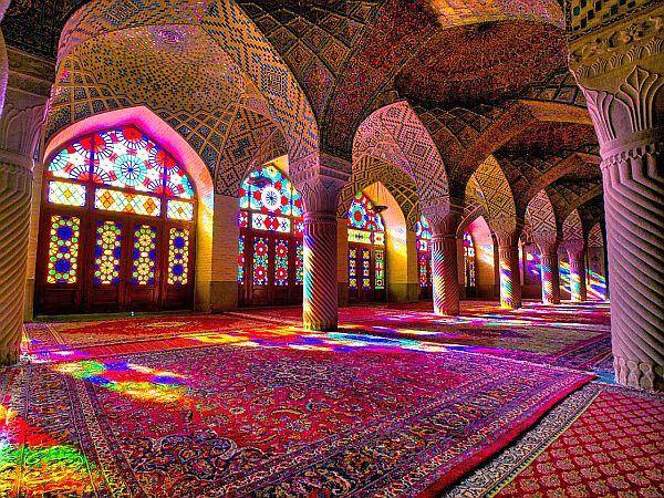 Iran, wnętrze meczetu w Szirazie